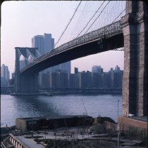 Image of [View of park deck next to Brooklyn Bridge, Fulton Ferry Landing] - DUMBO, Brooklyn waterfront photographs and slides