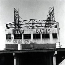 Image of [Stauch Baths] - Anders Goldfarb photographs of Coney Island