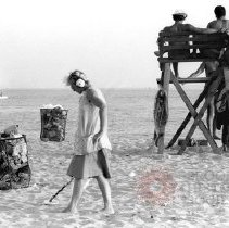 Image of [Man with metal detector, Coney Island] - Lucille Fornasieri Gold photographs