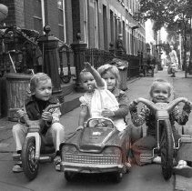 Image of [Kids in a hot rod] - Lucille Fornasieri Gold photographs
