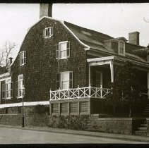 Image of Bennett House, 95th Street and Shore Road - Ralph Irving Lloyd lantern slides