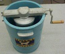 Image of 2008.031.001 - Mixer, Ice-cream