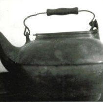 Image of 1956-032 - Kettle
