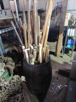 Image of 2014-019.0573 - handles