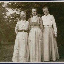 Image of [Mrs. Bert Elwood, Sister Jennie M. Wells, and Sister Annie Belle Tuttle] - Mount Lebanon, NY