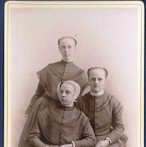 Image of [Jessie, May, and Eleanor Evans] - Canterbury, NH