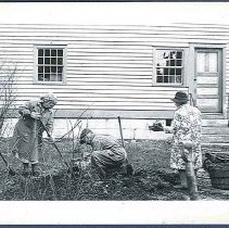Image of [Brother Curtis White and the Dahm sisters] - Canterbury, NH