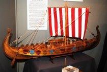 Image of 2000.070.032a-u - Model, Boat