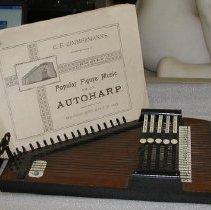 Image of Autoharp