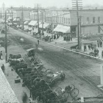 Image of Street Scenes - Main St. looking west, c 1905 (intersecting of McDonald & Main Sts)