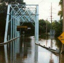Image of Disasters - 1986 Flood--Upper Bridge