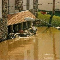 Image of Disasters - 1986 Flood--Courthouse