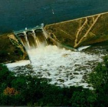 Image of Disasters - 1986 Flood--Sanford Dam