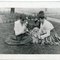 Image of Edith Price and Daughter Betty