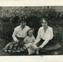 Image of Edith Price with Daughter Betty
