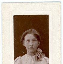 Image of Wallen Family - Unknown Girl