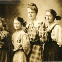 Image of Bailey Sisters