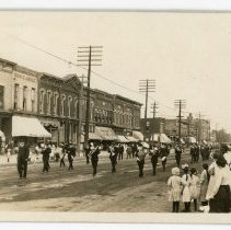Image of Significant Events - Postcard Memorial Day Parade