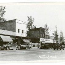 Image of Street Scenes - Postcard Main Street Midland
