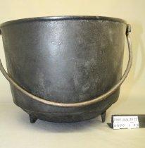 Image of X960.1.99 Cauldron