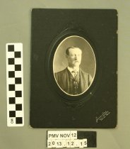 Image of 2013.12.15 - Photograph, Cabinet