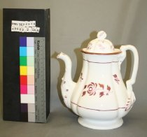 Image of X9002.2.2A - Teapot