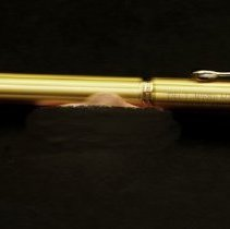 Image of Sun City West General - Gold pen commemorating Del Webb Hospital 15th Anniversary.  Photo by Bob McColley.