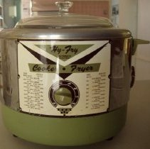 Image of Sun City General - Hy-Fry automatic electric cooker & fryer by Reliable Manufacturing Model M-200.   Deed of gift by Ron Gibson on 11/16/10..  