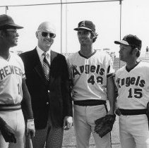 Image of Baseball - Three big league players pose with Owen Childress, who is 2nd from the left.