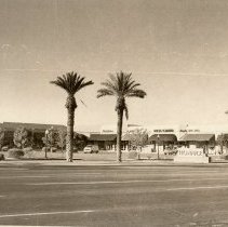 Image of Shopping Centers - Plaza del Sol Center