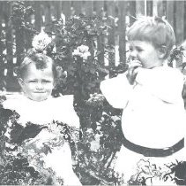 Image of Two unknown Children - Print, Photographic