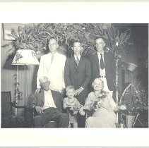 Image of Unknown Family - Print, Photographic