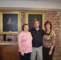 Image of Windle with daughters Bonnie and Susan