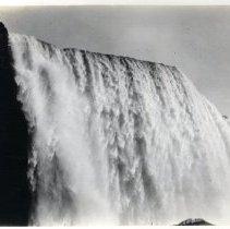 Image of Niagara Falls - Print, Photographic