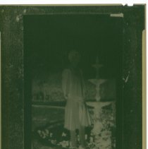 Image of Unknown woman by a fountain - Negative, Film