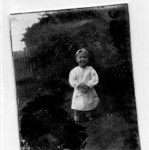 Image of Tom Davis in yard