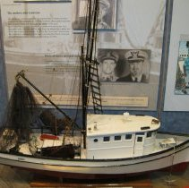 "Image of Shirmp boat model ""Brenda"" - Trawler"
