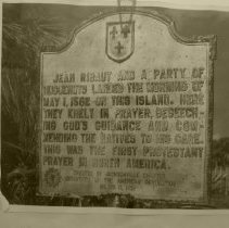 Image of Plaque commemorating landing of Jean Ribaut