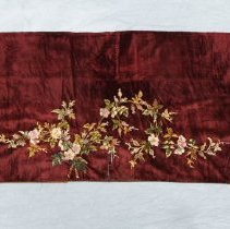 Image of 1968.1.6 - Scarf, Piano
