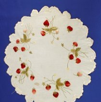 Image of 1975.16.36 - Doily