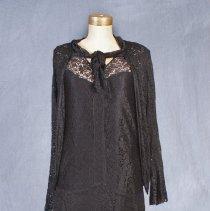 Image of 1975.40.40.2 - Dress