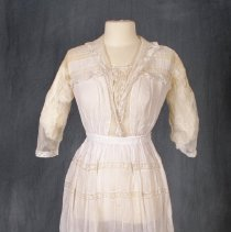 Image of 1977.53.1.3 - Dress