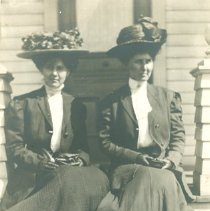 Image of Mary and Jean Brown