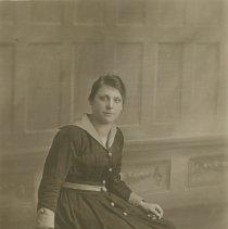 Image of Minnie Snape, c.1920