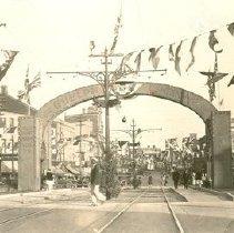 Image of Centennial Arch 1927