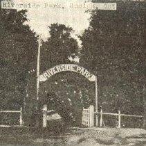 Image of Entrance to Riverside Park