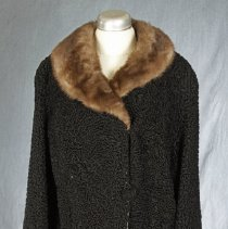 Image of 2004.53.2 - Coat
