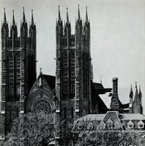 Image of David Nasby's photograph of Church of Our Lady, p.20