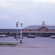 Image of A&P Plaza on Willow Road