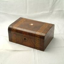 Image of M1987.4.9 - Box, Sewing
